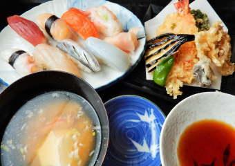 にぎりと天ぷらセット